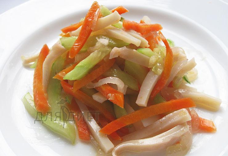 Диетический рецепт салата из кальмаров