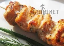 Шашлык из красной рыбы на мангале
