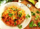 Феттучини из кабачка тушеные с морковью и луком в мясном соусе